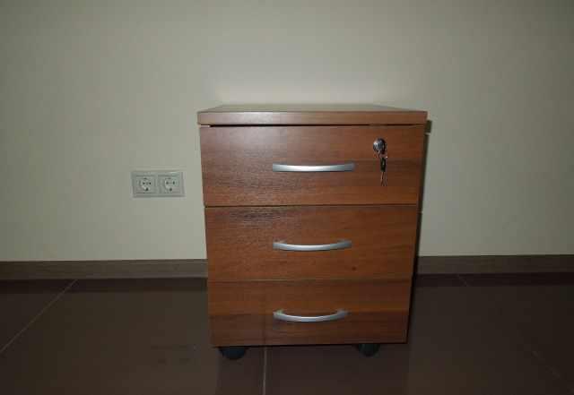 """новую качественную офисную мебель """"Da Vita"""""""
