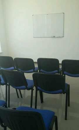 Столы стулья доска для офиса
