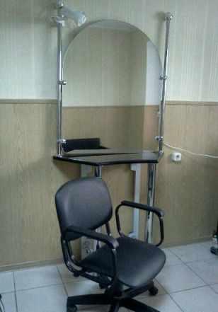 Зеркало с туалетным столиком для парикмахера