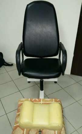 Педикюрное кресло с подставкой под ванночку и ног