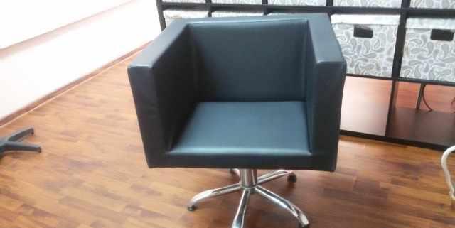 Кресло парикмахерское, пятилучие, гидравлика 2 шт