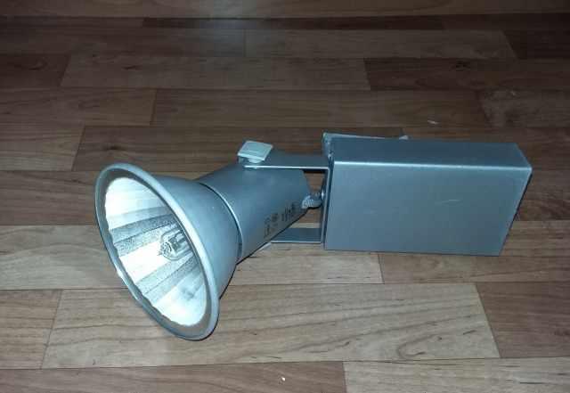 Светильник трековый металлогалогенный