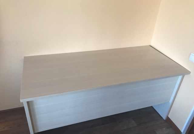 Офисная мебель столы и компьютеры