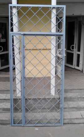 Решётка-дверь