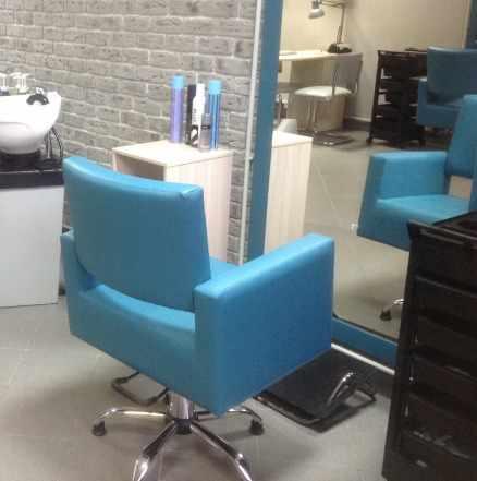 Педикюрное и парикмахерское кресла