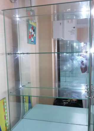 мебель б/у для магазина