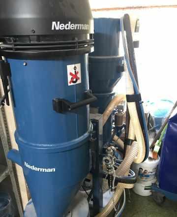 Беспылевой пескоструйный аппарат Nederman