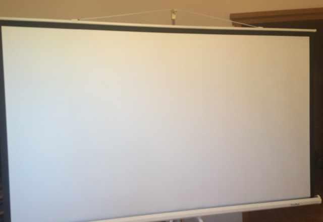 Экран на штативе