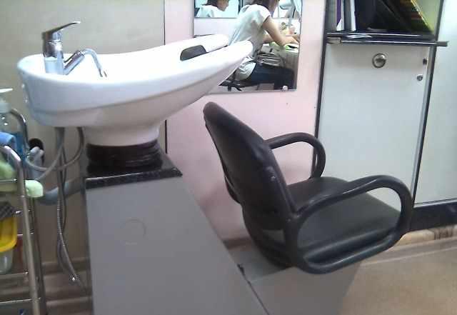 Мойка с креслом, парикмахерские кресла