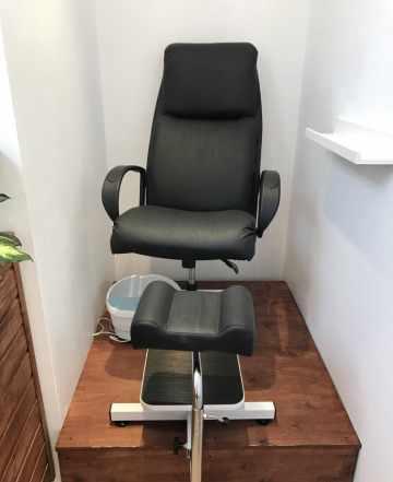 Кресло парикмахерское/для педикюра/для мастера
