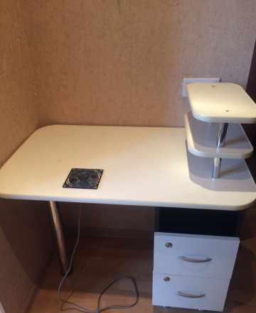 Стол для маникюра и наращивания ногтей