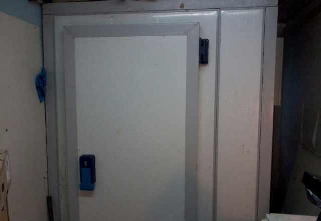 Холодильная камера, морозильный шкаф