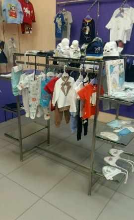 Оборудование для магазина одежды и товарный остато