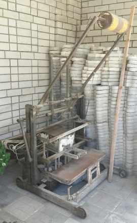 Станок для изготовления цементных блоков