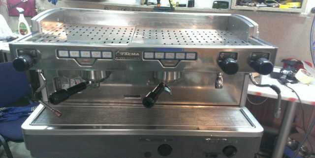Професиональная кофемашина Faema Президент