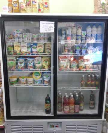 Холодильная витрина 1,4 куб.м и 2,8м