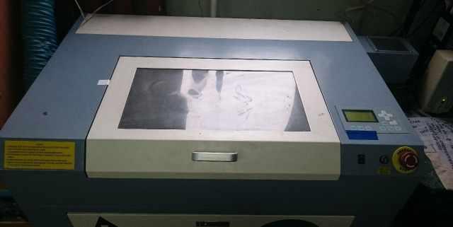 Лазерный гравировальный станок (лазерный гравер)