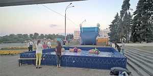 Каркасный бассейн с лодочками