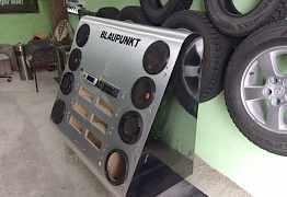 Стенд пот акустику и магнитофоны
