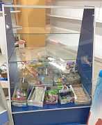 Прилавок,конфетница и витринные полки