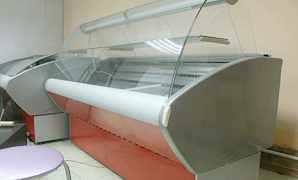 Холодильная витрина в отличном состоянии