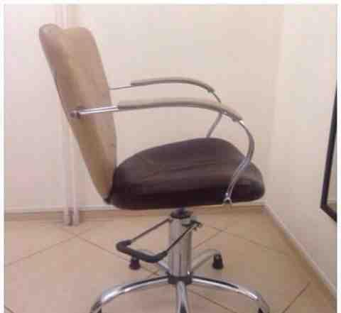парикмахерское кресло б/у