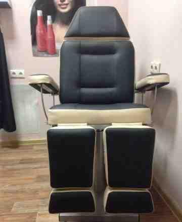 Педикюрное-косметологические кресло