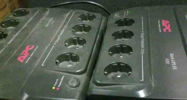 Источник бесперебойного питания APC BE400-RS