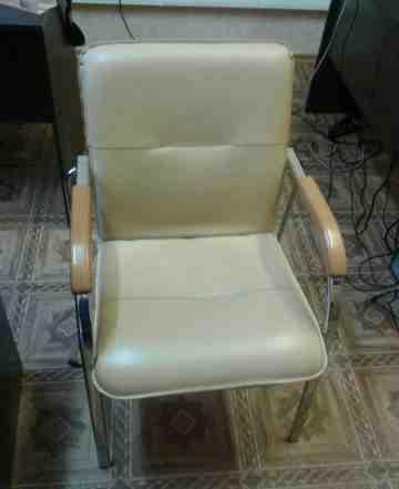Столы, стулья, стеллаж