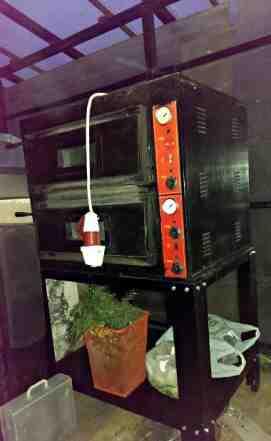 Печь для пиццы Kocateq с подставкой