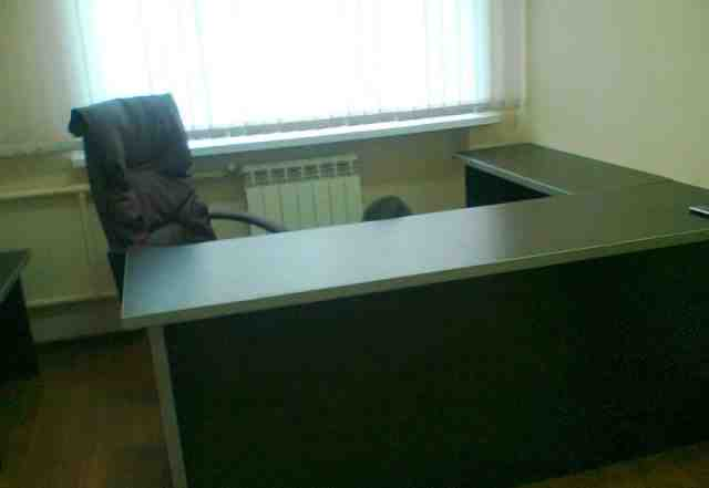 Новый офисный стол угловой с тумбой