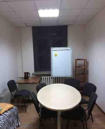 Переговорный стол, стулья, маркерная доска, шкаф