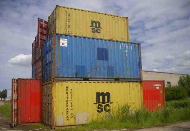 Морской сухогрузный контейнер c документами