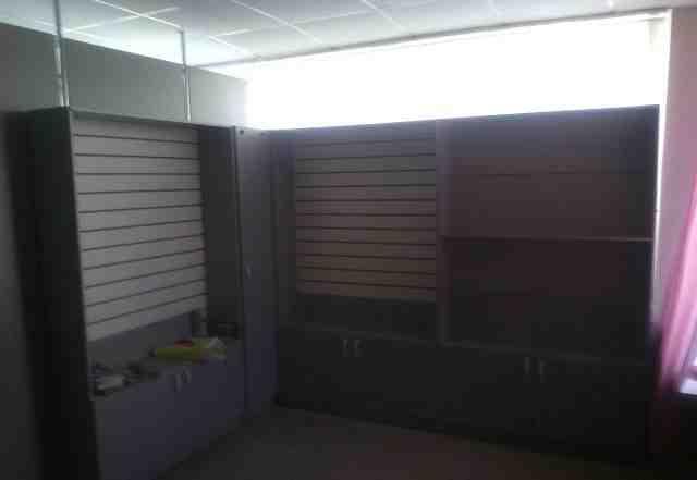 Торговые стелажи и шкаф