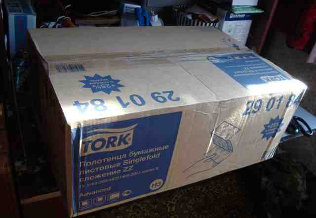 Бумажные листовые полотенца Tork