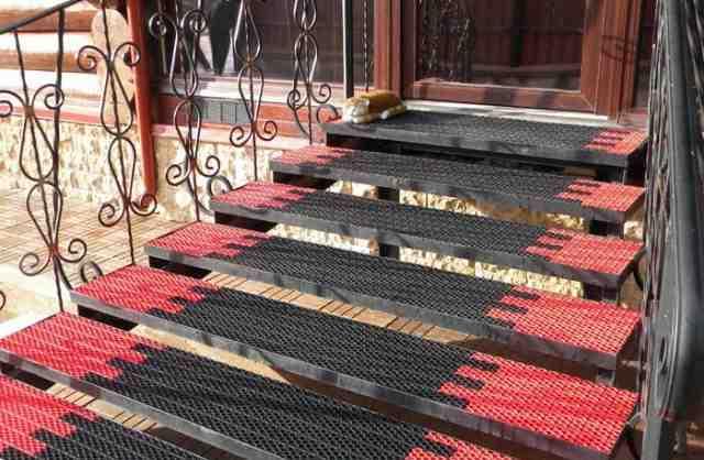 Грязезащитные покрытия, придверные коврики
