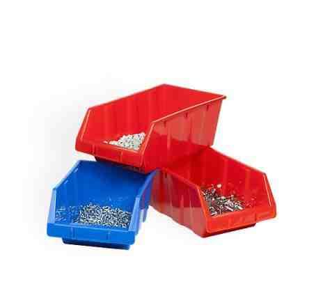 Ящики пластиковые для хранения мелких грузов