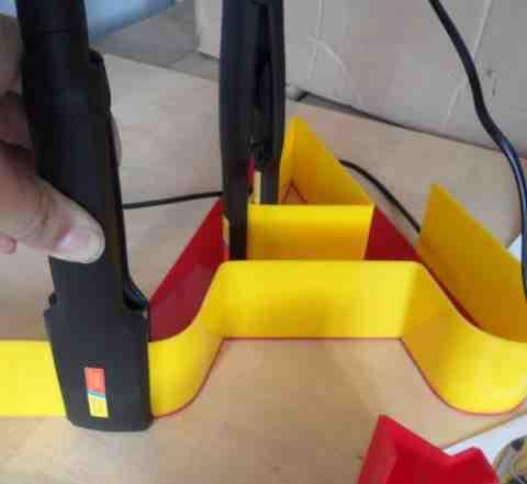 Инструмент для изготовления акриловыхобъемных букв