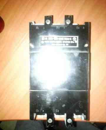 Автоматический выключатель(автомат) на 660в трёхфа