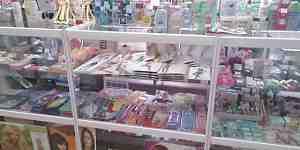 Прилавок для парфюмерии и косметики