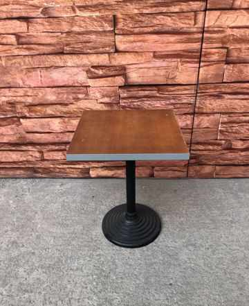 Столы для столовой и кафе