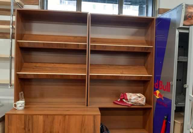 5 шкафоф- конфетниц, 3 шкафа для печенья