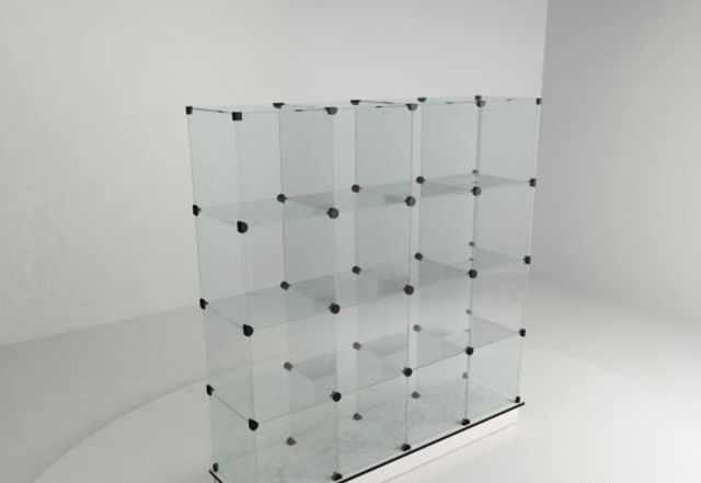 Стеклянная витрина разобранная