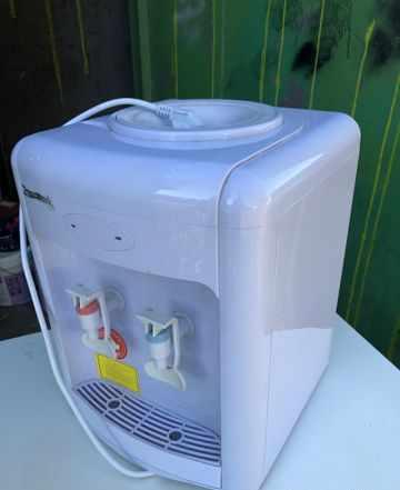 Продаю кулер для воды офисный 19 литров
