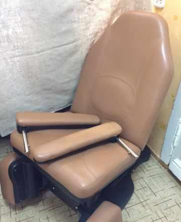 Кресло для педикюра с электроприводом