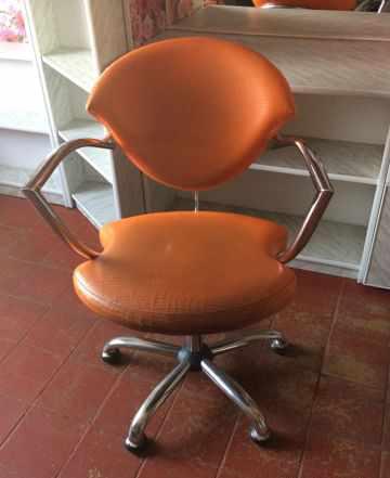 Продам мойку для головы и парикмахерское кресло