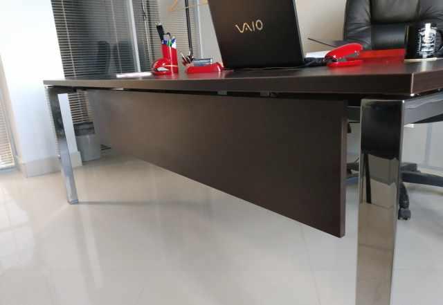 Стол для руководителя 25 мм столешница италия