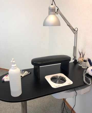 Маникюрный стол со встроенной вытяжкой emil Х2