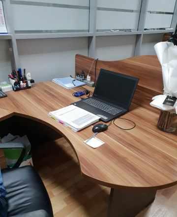 Продаем комплект офисной мебели, готовые рабочие м