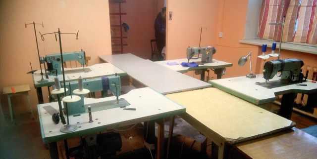 Продам промышленную швейную машинку класс 1022